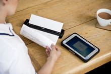 PJ 700 series mobile printer in healthcare with bluetooth or wifi connection