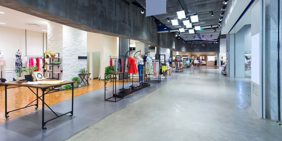 retail store using beacons to engage with customers
