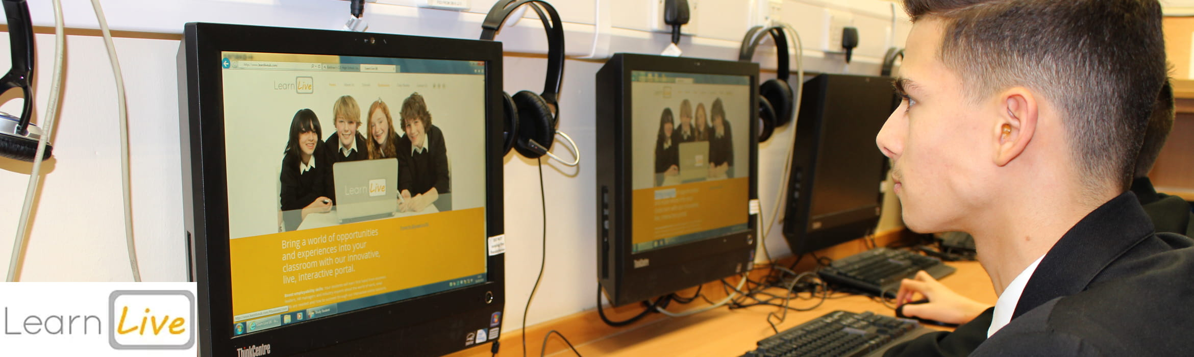 School child using OmniJoin web conferencing in a classroom