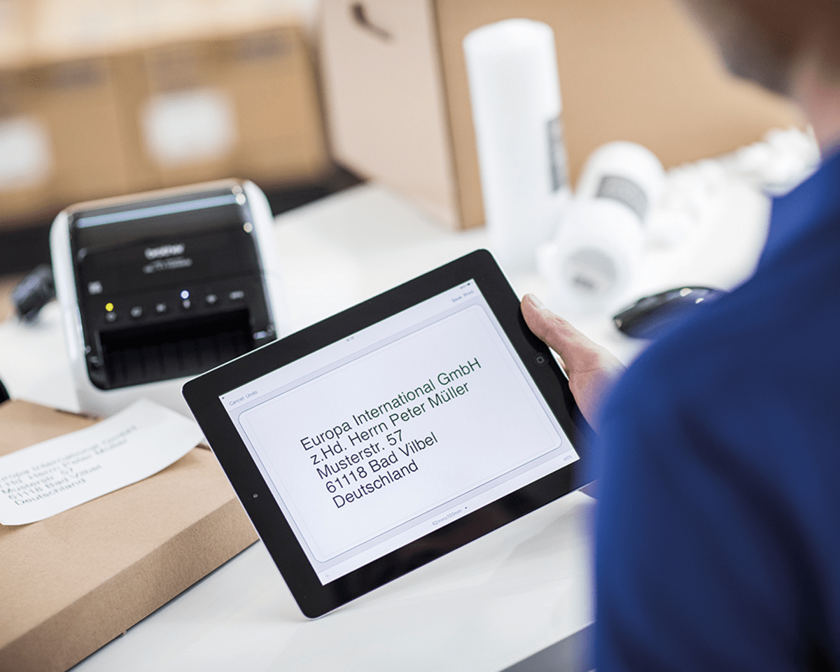 QL-1110NWB Wireless shipping and barcode label printer 3