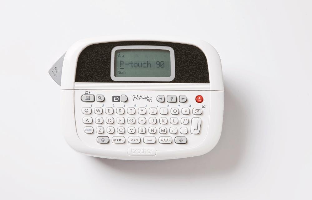 PT-90 Handheld Label Printer 2