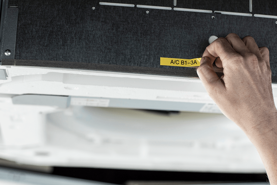 PT-E110VP Handheld Electrician Label Printer 8