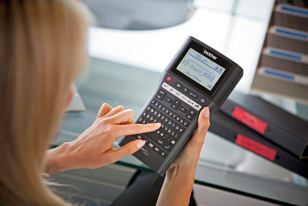 PT-H500 Professional Handheld Label Printer  3